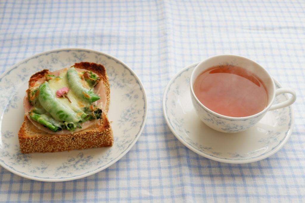 桜と春野菜のトースト