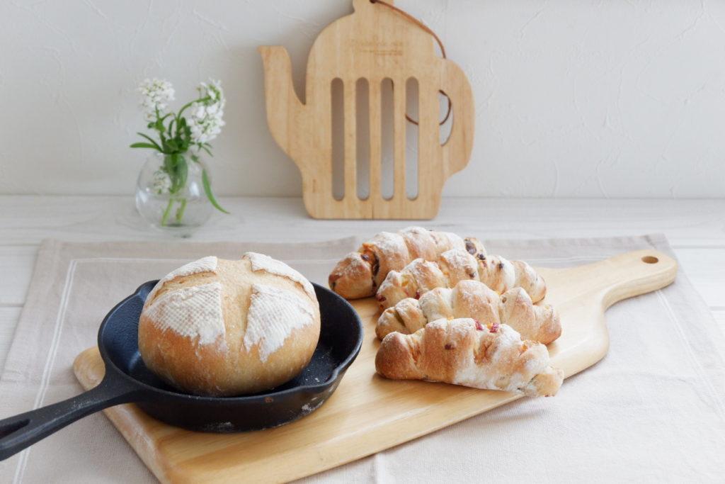 プチカンパーニュ&ドライフルーツパン