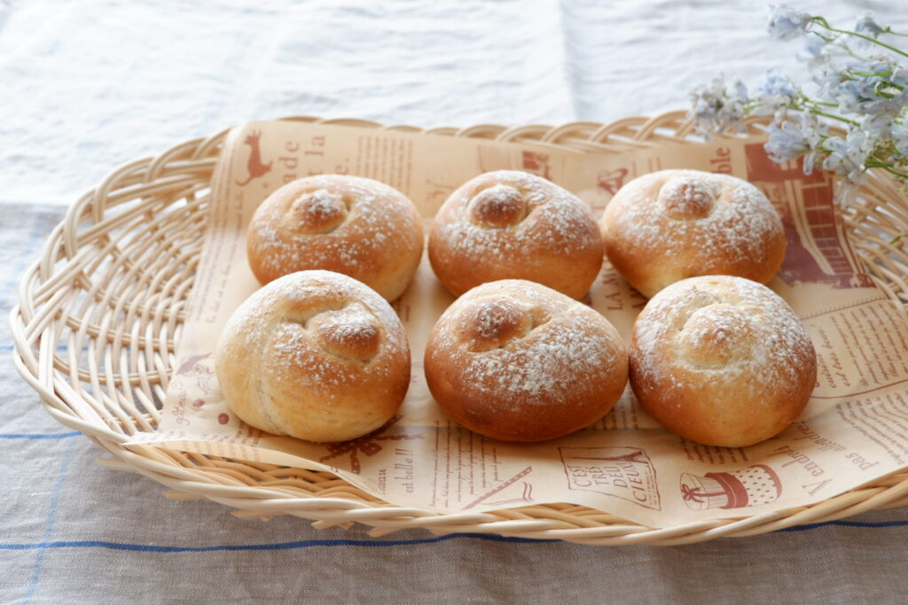 はちみつロールパン
